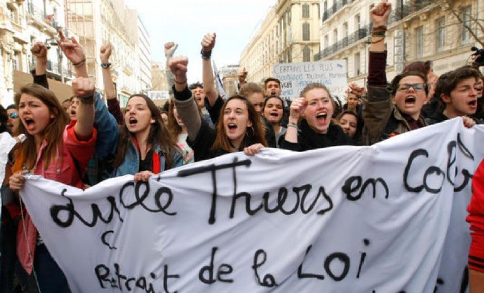 Lutte pour l'abandon de la loi El Khomri: appel des organisations de jeunesse pour le 17 mars 2016